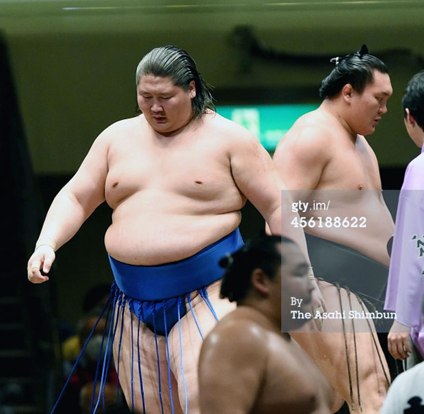Ичиножёог унахад япончууд хачин баярлав даа!
