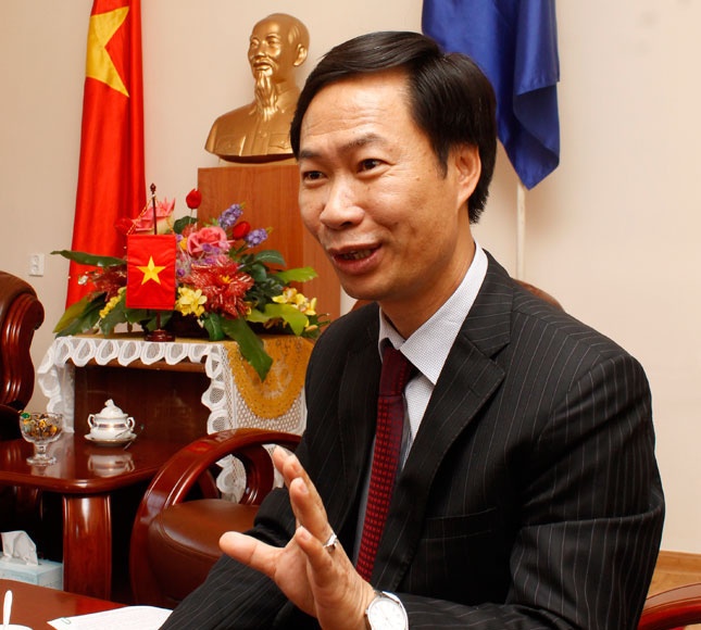 Фан Данг Дыөнг: Монгол, Вьетнамын иргэд визгүй зорчих тухай судалж байна