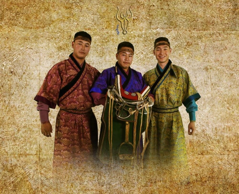Монголын анхны эрэгтэй уртын дууны хамтлаг шинэ уран бүтээлээ гаргалаа