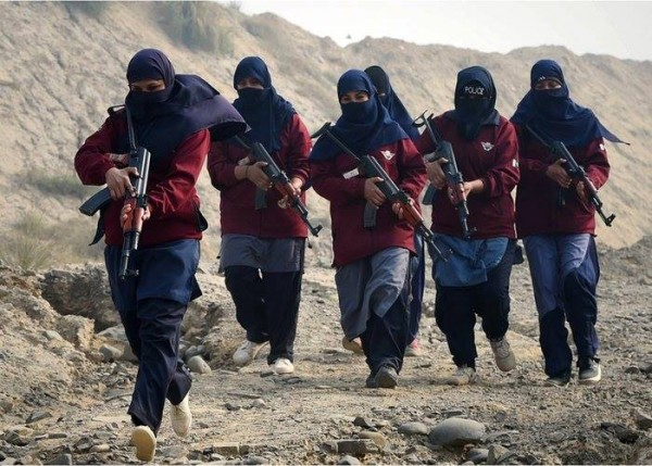 Пакистанд эмэгтэйчүүдийн тусгай хүчнийг бэлтгэж байна