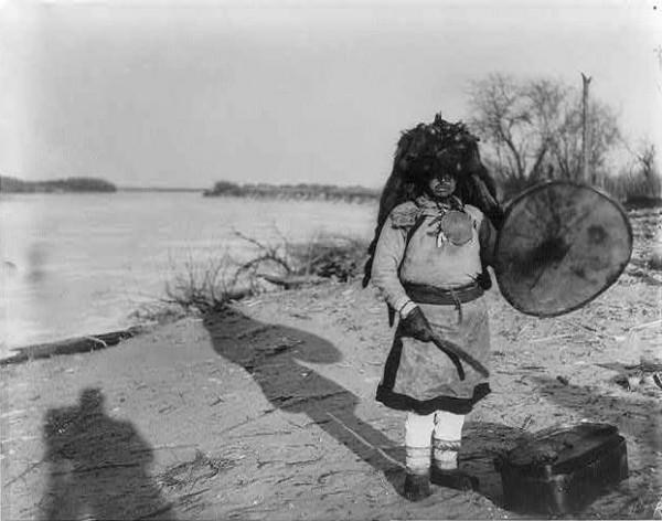 1870-аад оны бөө нарын хувцас өмсгөл /фото/