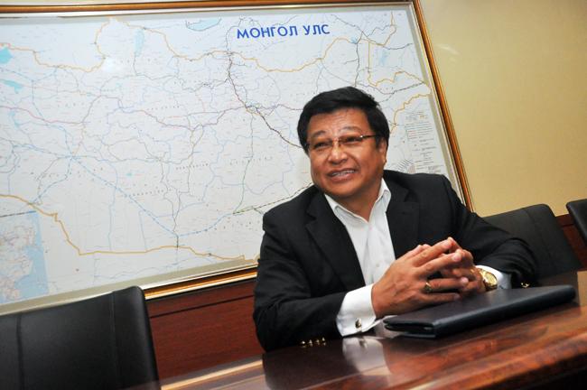 Д.Ганбат: Хятадын хөгжлийн банкнаас зээл авна