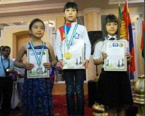 Долоон настай Д.Мөнхзул шатрын дэлхийн аварга боллоо