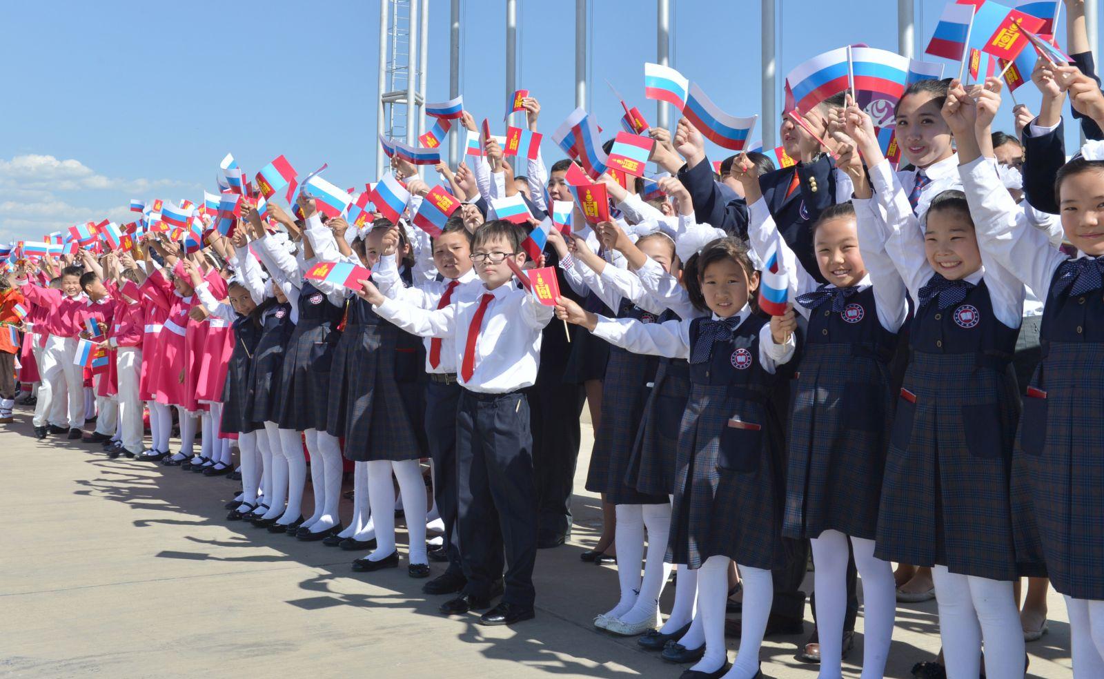 Буриад Монголын хамтарсан дунд сургуультай болно