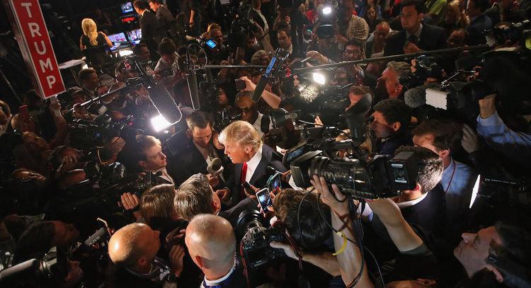 Сэтгүүлчдийг ДАЙСАН гэсэн Трампт хариуг нь барив