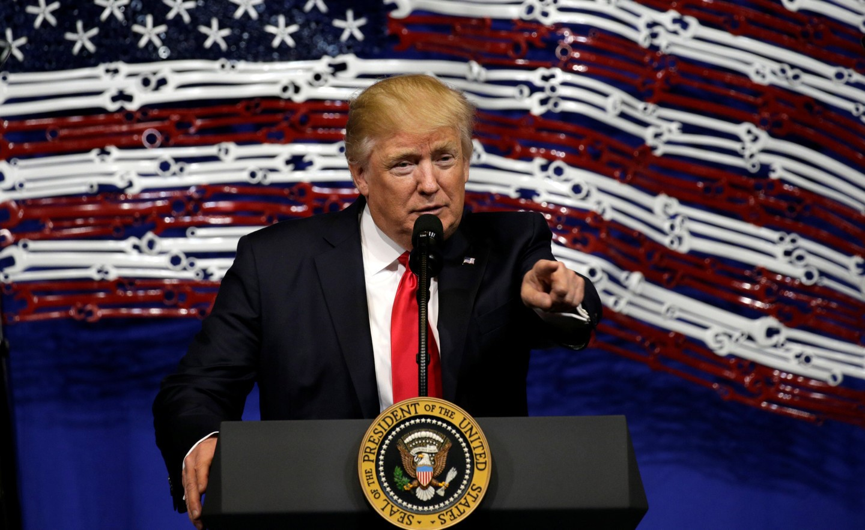 Трамп XX-р зууны дунд үеэс хойших хамгийн рейтинг багатай ерөнхийлөгч