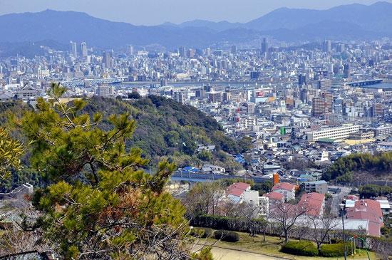 Хөлсний гулгалт Хирошима хотод болжээ