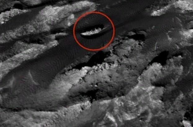 Ангараг гарагаас байлдааны хөлөг онгоц олджээ