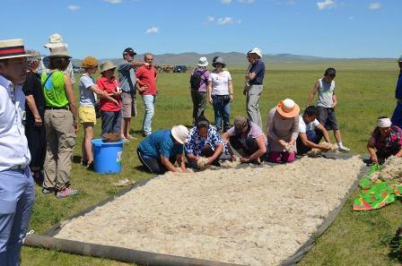 """""""Монгол эсгий урлалын баяр-2014"""" өргөн дэлгэр боллоо"""
