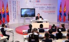 """Монгол Улсын Ерөнхийлөгч """"Санаа зөв бол заяа зөв"""" сэдвээр хичээл заана"""