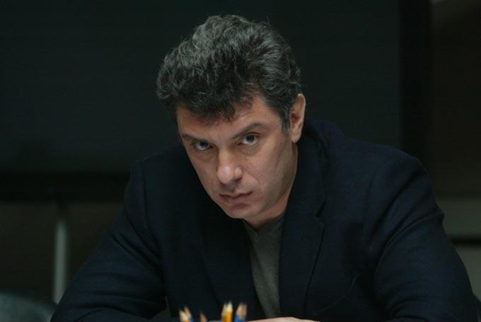 Бичлэг: Борис Немцов алагдсанаас хойшхи 3 минутын бичлэг дэлгэгдлээ