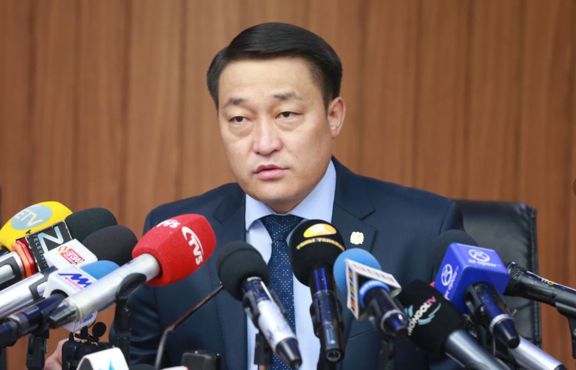 УИХ-ын гишүүн асан Д.Хаянхярваагийн албан өрөөнд АТГ нэгжлэг хийжээ