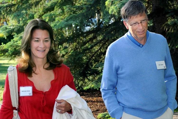Билл Гейтс эхнэрээсээ салаагүй байхдаа хоёр ажилтантайгаа учир ургуулж явжээ
