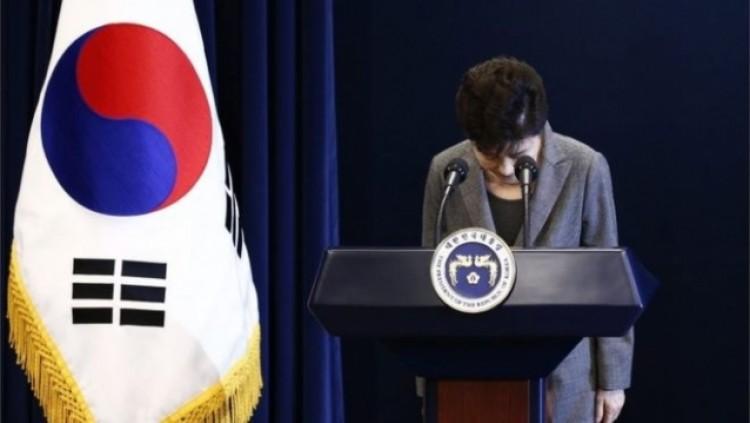 Солонгосын Ерөнхийлөгч Пак Гын Хэ огцорлоо