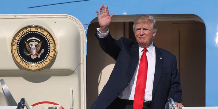 Доналд Трамп ганцхан сарын дотор аялсан зардал нь Барак Обамагийн жилийн аяллын зардалтай тэнцжээ