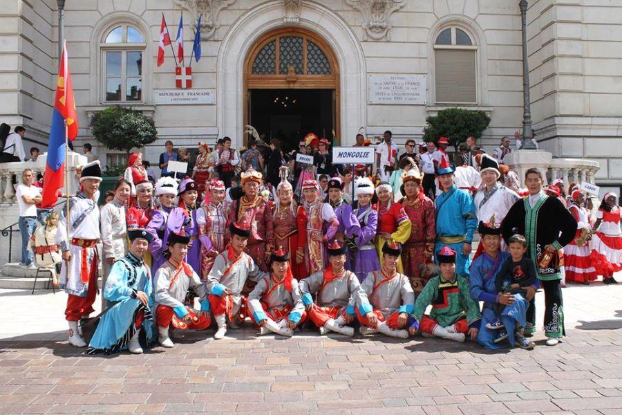 Хөвсгөл аймгийн уран бүтээлчид олон улсын урлагийн наадамд оролцоно