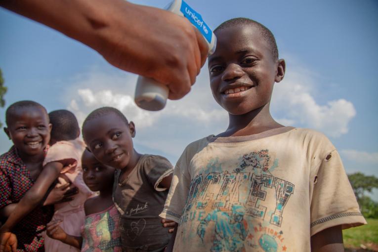 """Конгод """"Эбола"""" вирусний улмаас олон хүүхэд өнчирчээ"""