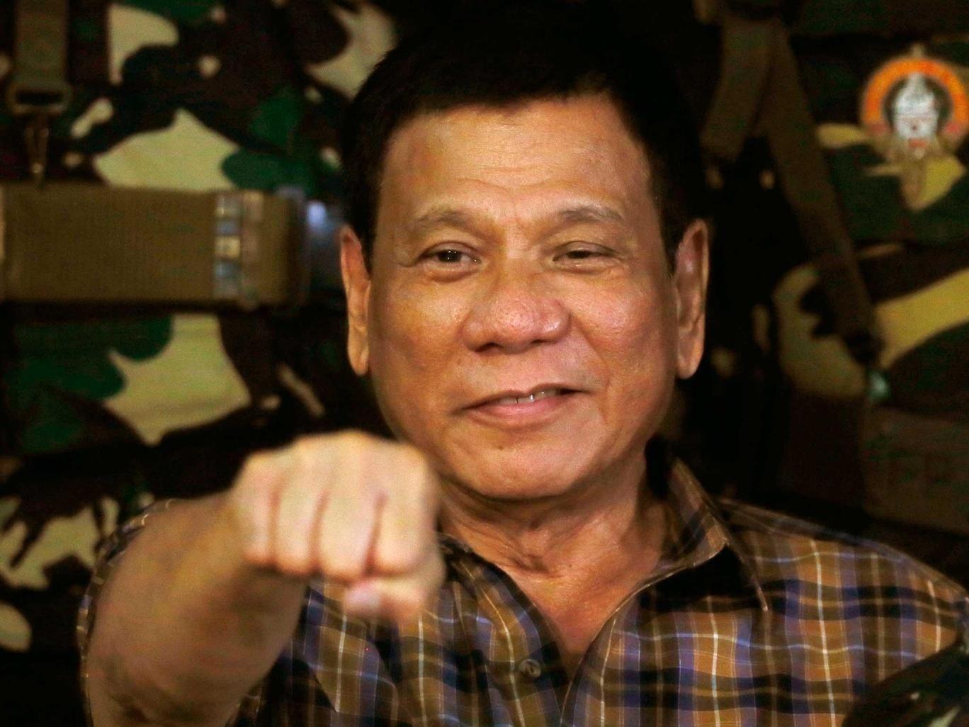 Филиппиний ерөнхийлөгч сүрдүүлсний дараа Канад улс хог хаягдлаа буцааж авахаар боллоо