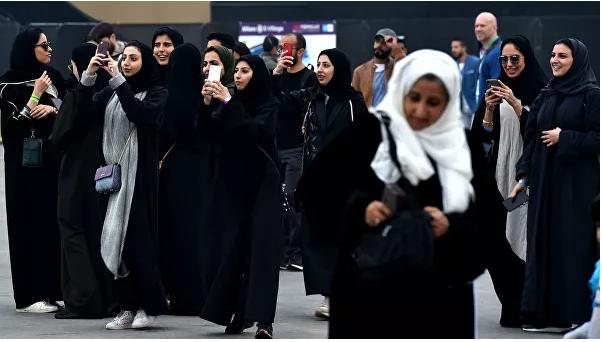 Саудын Арабын эмэгтэйчүүдэд армид алба хаахыг зөвшөөрчээ