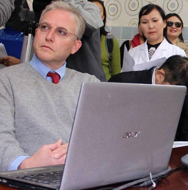 М.Шоэллхаммэр: Монголын Засгийн газар зээлийн хугацаандаа анхаармаар байна