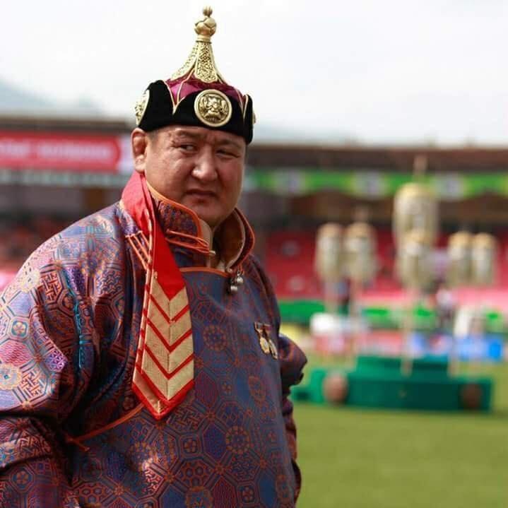 Улсын аварга цолтнуудын эрэмбийг Дархан аварга Г.Өсөхбаяр манлайлав