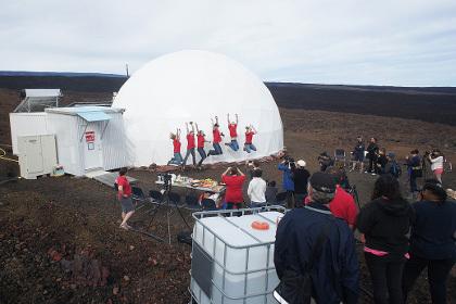 Ангараг гараг руу хийх аяллыг дуурайлгасан туршилт Хавайн аралд дуусав