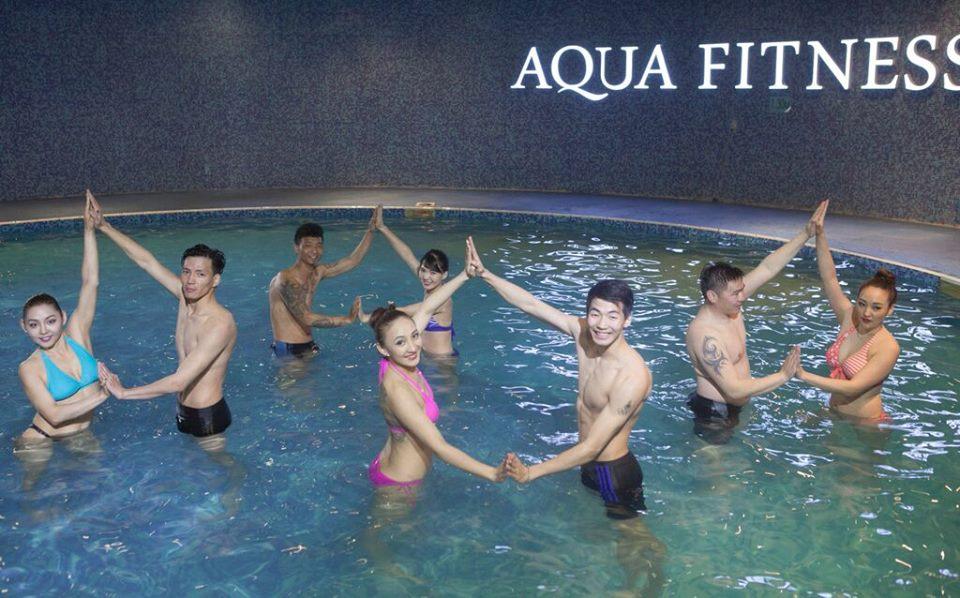"""""""Акуа фитнесс"""" төв эрэгтэй болон эрэгтэй эмэгтэй холимог ангитай боллоо"""