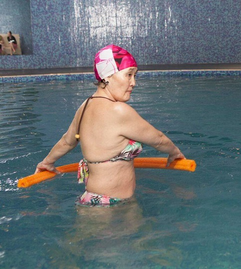 """""""Aqua Fitness"""" настай хүмүүст зориулсан анги нээж урамшуулал зарлажээ"""
