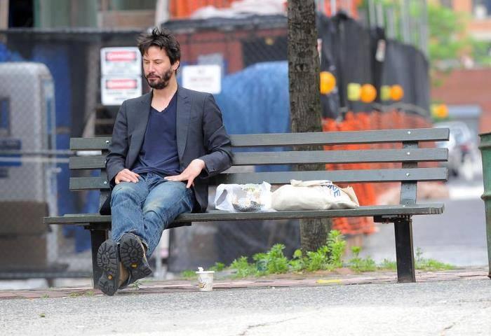 Холливуудын хамгийн чимээгүй энгийн амьдралтай нэгэн бол жүжигчин Keanu Reeves