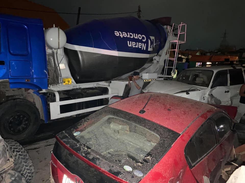 13 машин мөргөлдөж, 3 айлын хашааг дайрсан ноцтой осол гарчээ