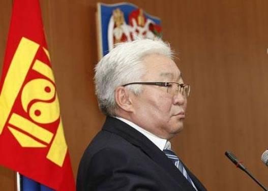 Э.Бат-Үүл 2012 оны орон нутгийн сонгуульд орохдоо