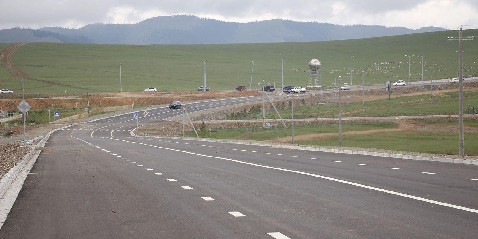 Налайх дүүрэгт шинэчлэгдэж буй авто замын эхний ээлжийн 3.5 километрийн зорчих хэсгийг нээлээ