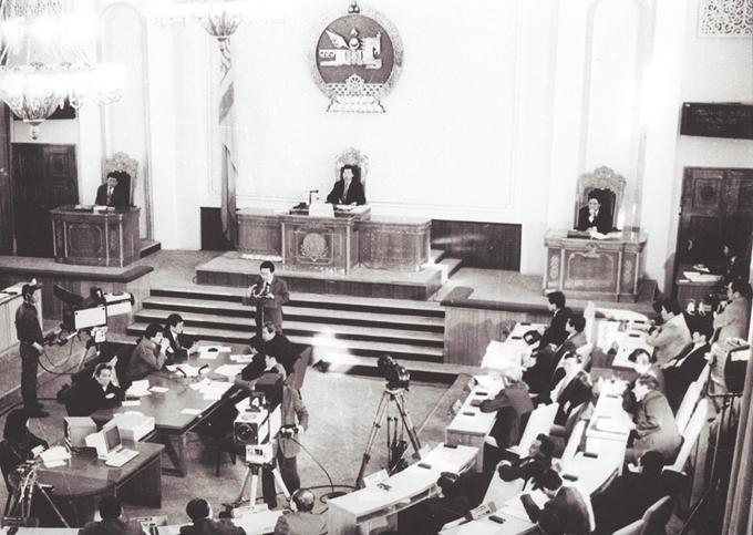Байнгын ажиллагаатай парламентын 25 жилийн ойд: Гэрэл зураг түүх өгүүлнэ /фото/