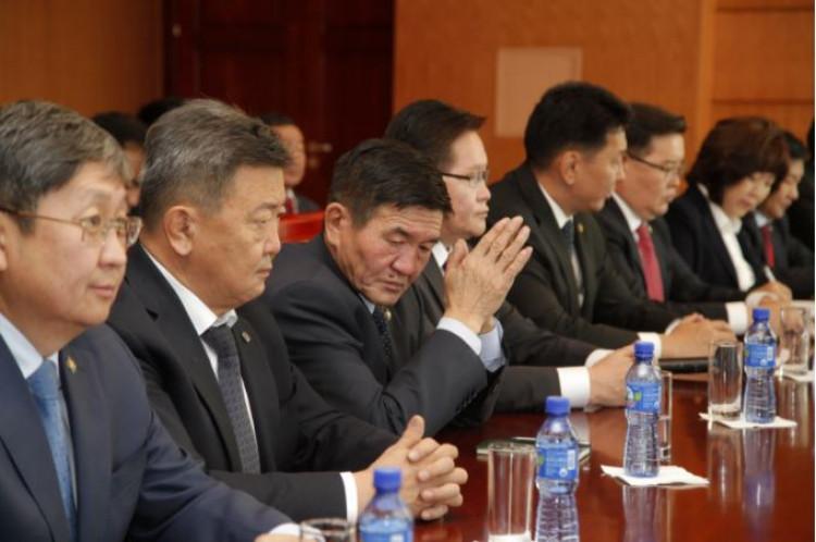 Х.Баттулга: Монгол Улсаар овоглогдох Засгийн газар шүү гэдгийг анхаараарай, улстөржилт хэрэггүй