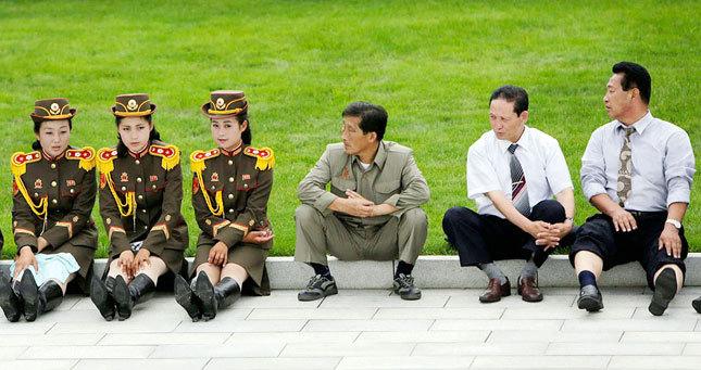 Хойд Солонгосын элит ангийнхны хүүхдүүдийн тансаглал