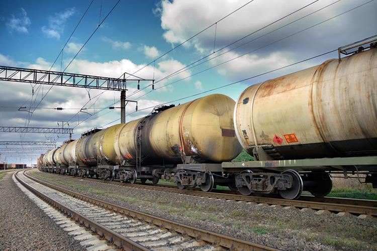 ОХУ-аас 12.800 тонн, БНХАУ-аас 12.250 тонн, нийт 25.050 тонн АИ-92 автобензин импортоор орж иржээ