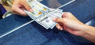 Гадаадад ажиллагсдын Монгол руу илгээж буй мөнгөн гуйвуулга 12%-иар буурчээ