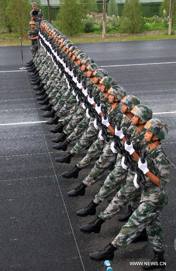 Хятадын арми парадад бэлтгэлээ ийн хангажээ