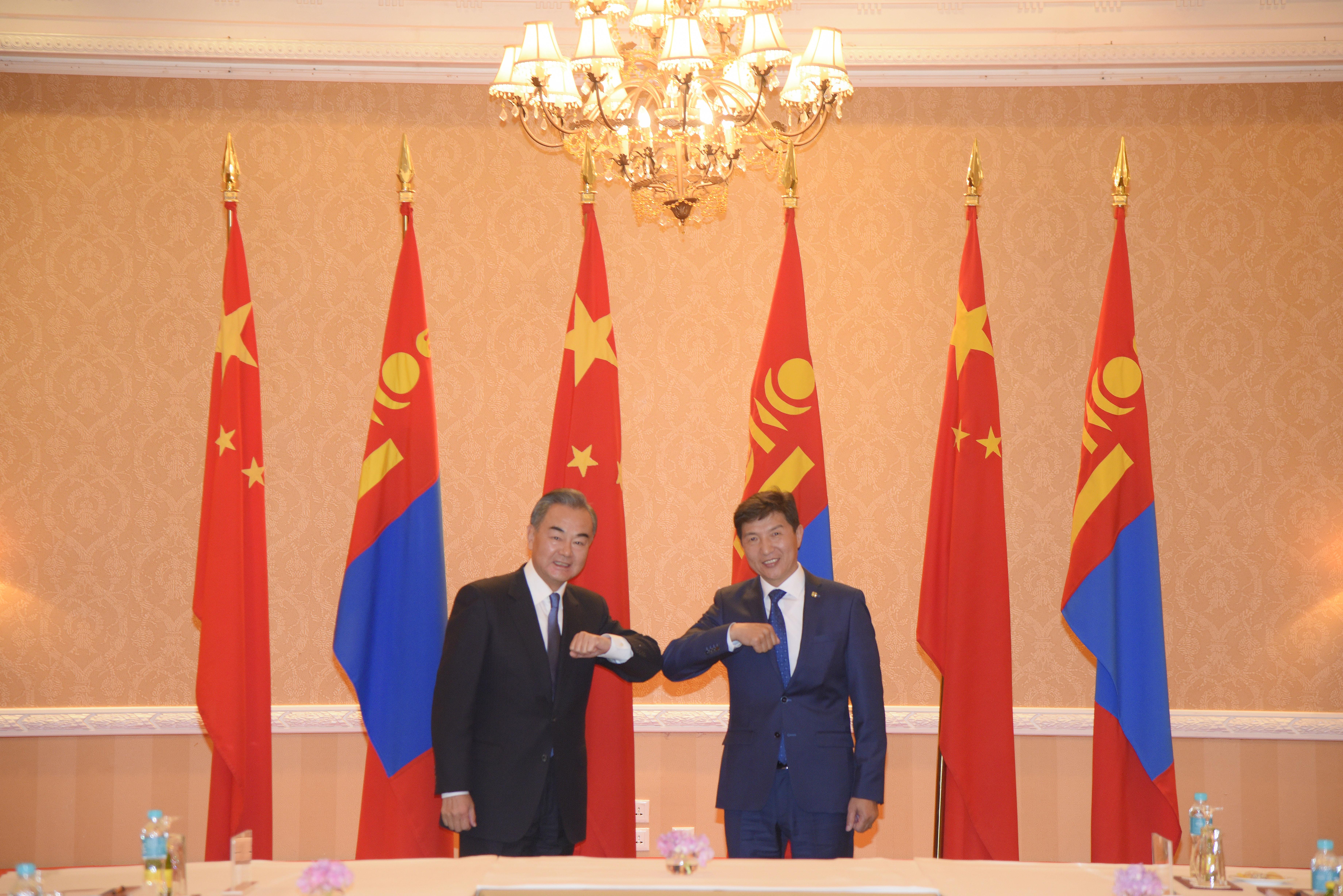 Монгол улсын ГХ-ны Сайд Н.Энхтүвшин БНХАУ-ын Төрийн Зөвлөлийн гишүүн, Гадаад хэргийн сайд Ван И нар хэлэлцээр хийв