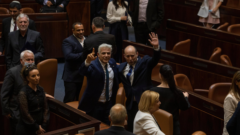 Израилийн парламент шинэ Засгийн газар эмхлэн байгуулах төслийг батлав