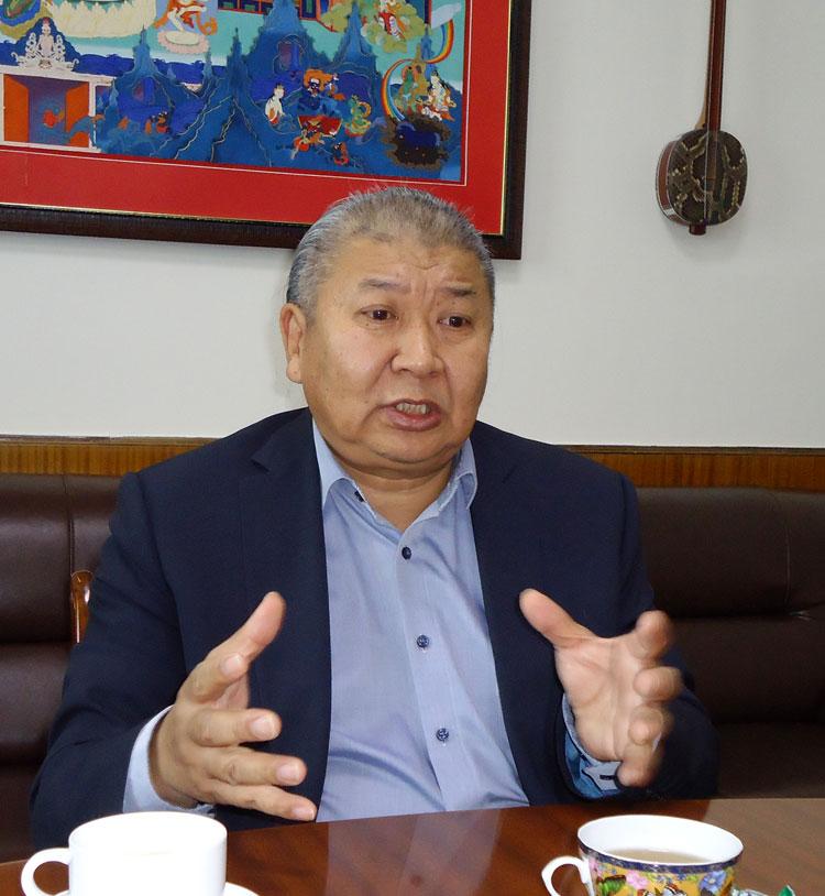 """О.Цагаанзам: Монголоо """"Бумбын орон"""" болгож, иргэдээ жаргаая гэвэл тууль судал"""