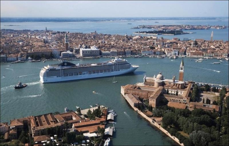 Венецийн аяллын лайнер MSC Magnifica 5