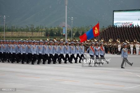 Хятадыг чөлөөлсөн Монгол цэрэг Бээжинд алхлаа (Бичлэг)