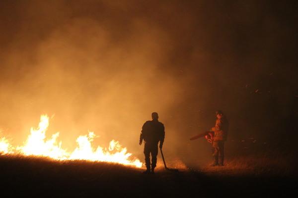 Увс, Булганд гарсан түймрийг унтраахаар ажиллаж байна