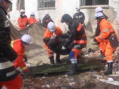 Гал унтраагчид дөрвөн хүний амь аварлаа
