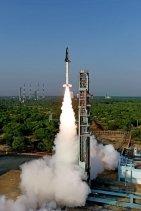 Энэтхэг улс олон удаа ашиглах сансрын хөлгөө амжилттай туршлаа