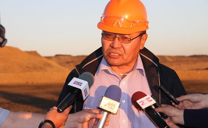Д.Эрдэнэбат: 2015 онд эдийн засаг сайжрах боломж бүрдэж байна