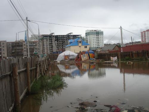 Усанд автсан 16 иргэний амь насыг авран хамгааллаа