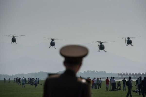 Умард Солонгост агаарын техникийн үзүүлэх тоглолт болов