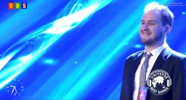 Монгол дууг омогшин дуулж буй Австрали залуу олны анхаарлыг татав